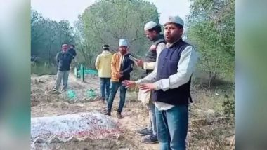 CAA Protests: Congress Leader Haseeb Ahmad Visits Graveyard of Ancestors to Ask For Citizenship Proof