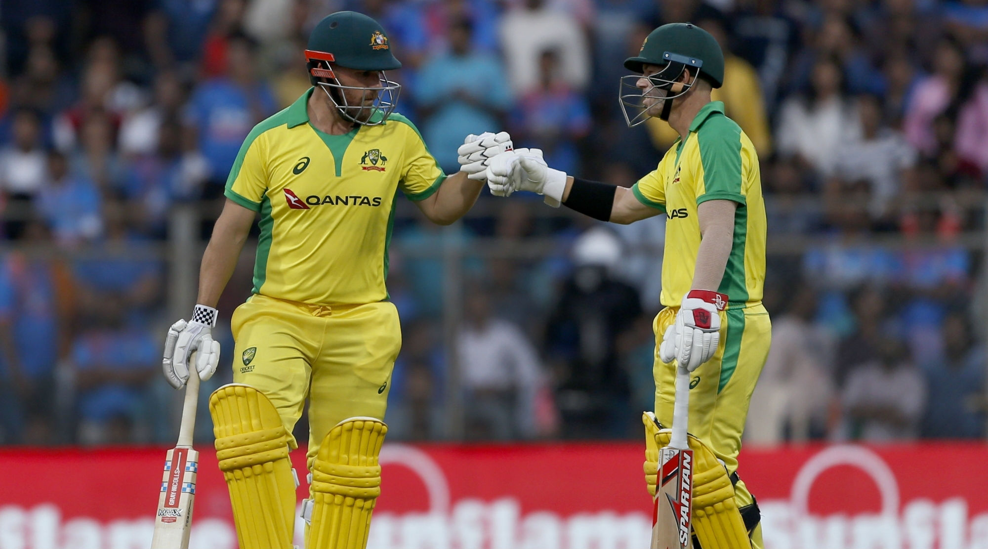 India vs Australia, 1st ODI 2020: Unstoppable Aussies Thrash Hosts by 10 Wickets at Wankhede Stadium in Mumbai