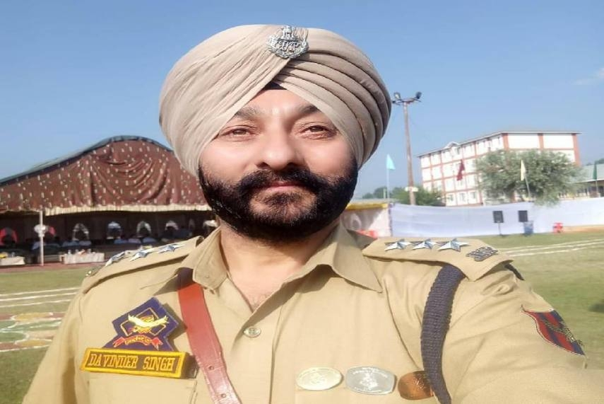 DSP Davinder Singh Must be Sacked, Demands Jammu & Kashmir Police in Letter to MHA After He Was Caught With Hizbul Terrorists