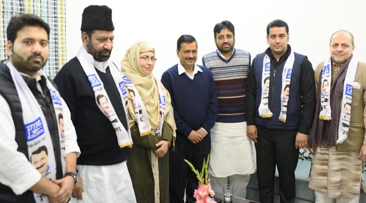 Former Congress MLA Shoaib Iqbal Joins AAP in Presence of Delhi CM Arvind Kejriwal