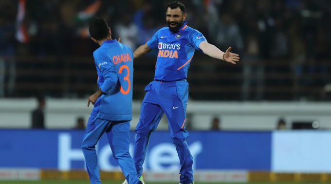 Mohammad Shami Flaunts His Painting on Social Media Amid 21-Day Lockdown (Watch Video)