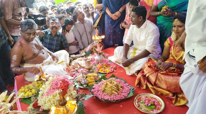 Mosque in Kerala Turns Venue for Hindu Wedding, Netizens Shower Praise