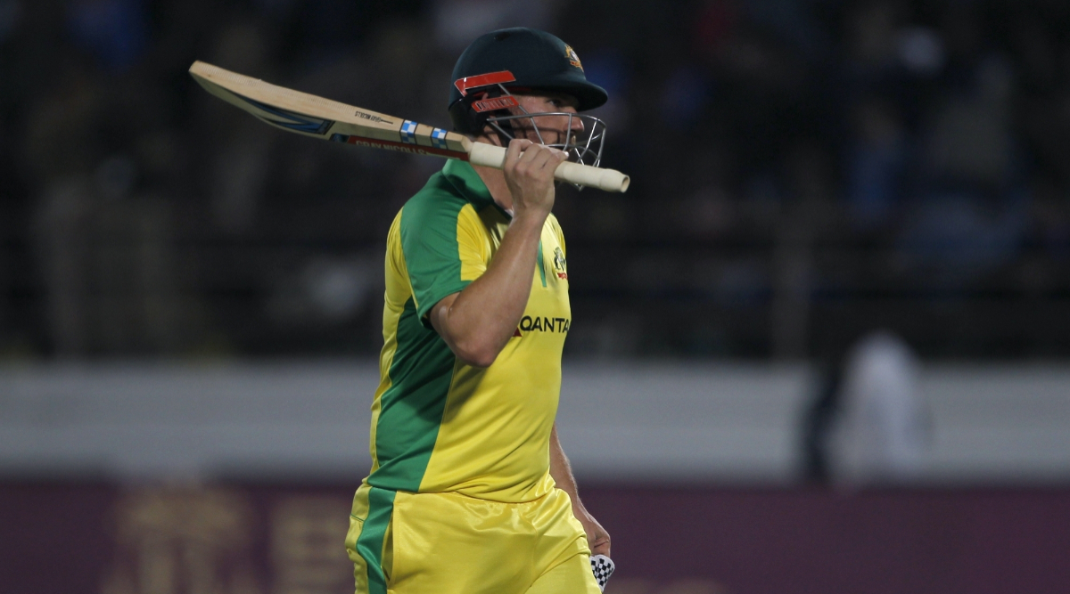 Aaron Finch-Steve Smith Mix-up Costs Australian Captain his Wicket During India vs Australia 3rd ODI 2020, Watch Run Out Video