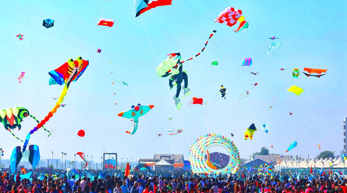 International Kite Festival 2020 Begins: Beautiful Pictures of Colourful Kites Soaring High During Uttarayan Celebrations in Gujarat