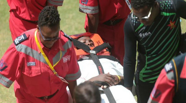 Kevin Kasuza Hit on Head, Taken Off the Field During Zimbabwe vs Sri Lanka 2nd Test Match in Harare