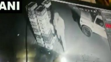 Uttar Pradesh: Policeman Caught on CCTV Stealing Milk Packets in Noida