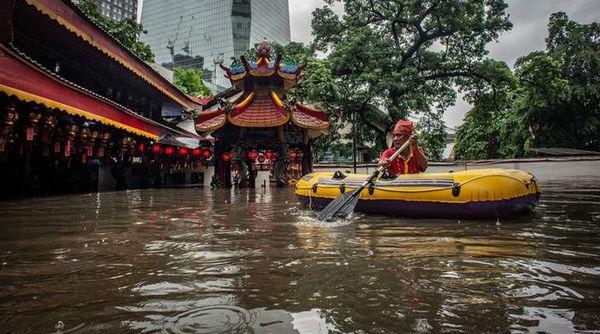 Indonesia Flash Floods: Rescuers Hunt for Missing After Landslides and Torrential Rains Killed 43 in Jakarta