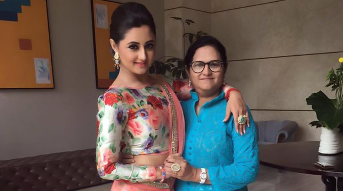 Bigg Boss 13: Rashami Desai's Mother To NOT Enter the Reality Show's Family Week Because of Unresolved Differences With Daughter? Deets Inside