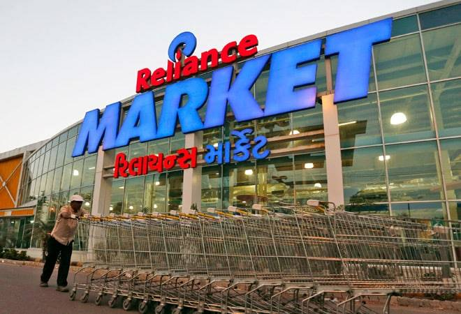 Reliance Retail Plans More Than 11,000 Smart Points Across Nation to Take on Amazon and Flipkart