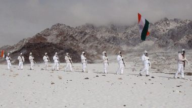 Republic Day 2020: Indo-Tibetan Border Police Celebrate 71st R-Day by Hoisting National Flag at 17,000 Feet in Ladakh, Watch Video