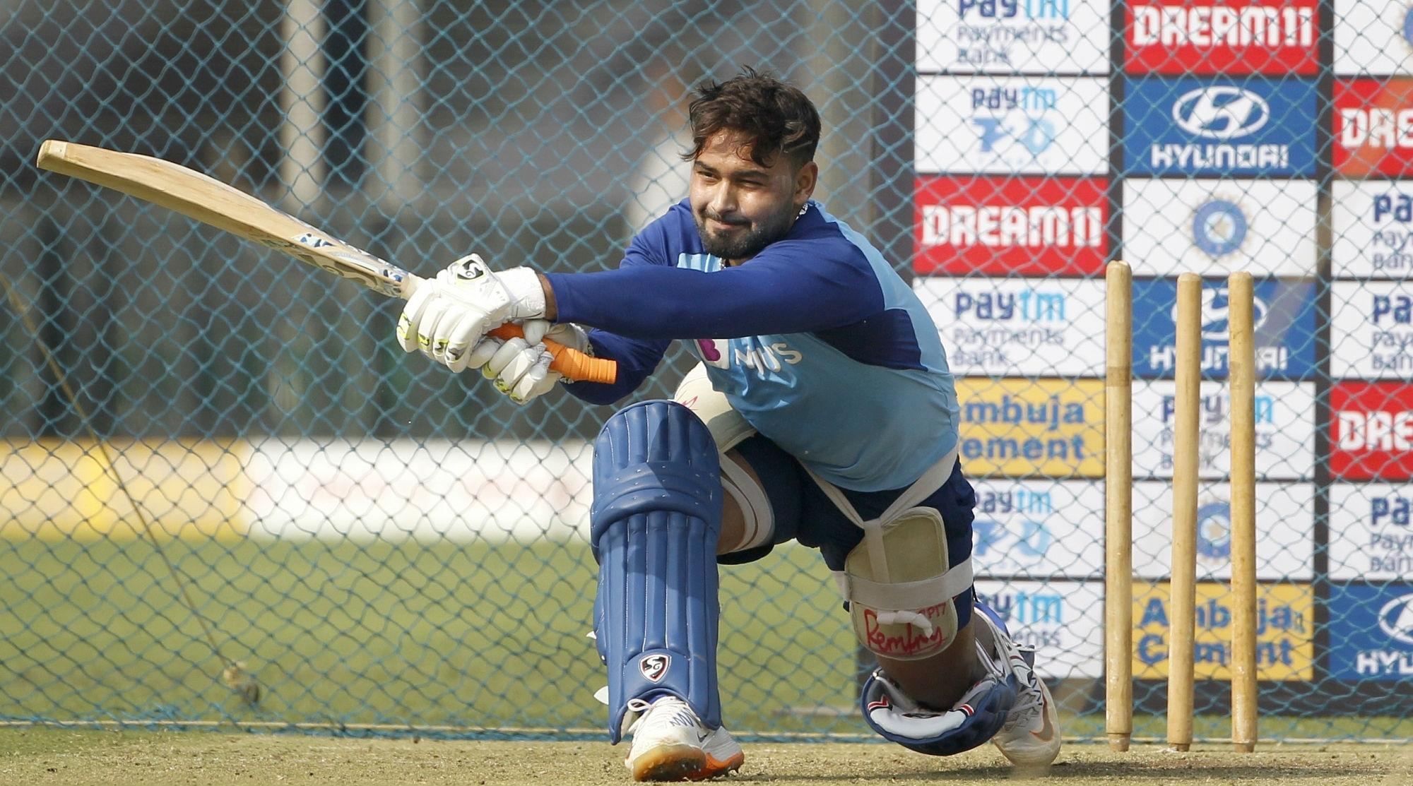 Rishabh Pant Out of India vs Australia 2nd ODI 2020, to Undergo Rehabilitation at National Cricket Academy in Bengaluru