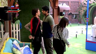 Bigg Boss 13 Episode 80 Updates | 20 Jan 2020: Asim & Sidharth Get Into A Violent Brawl
