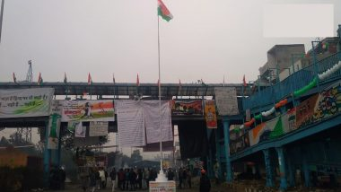Republic Day 2020: Tricolour Unfurled at Shaheen Bagh, Epicentre of Anti-CAA Protests