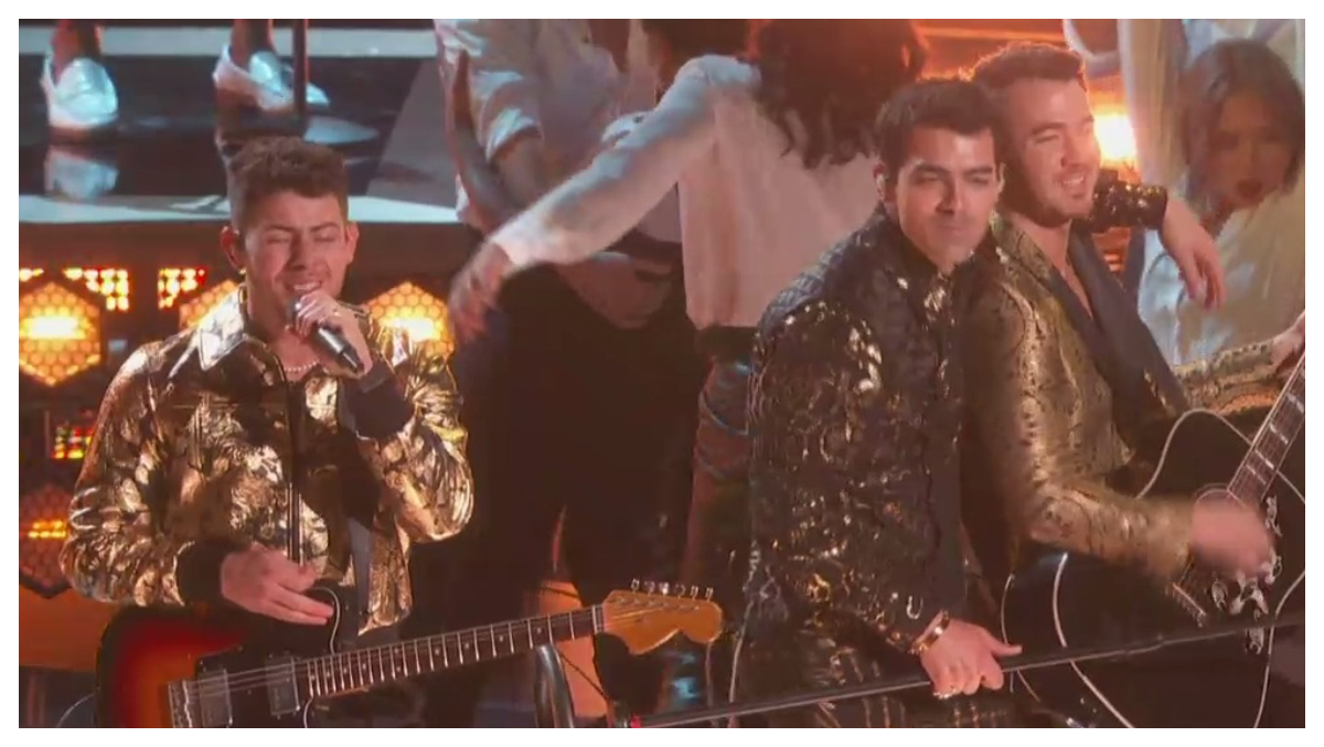 Grammys 2020: Jonas Brothers Tease New Song 'Five More Minutes' Along With A Performance Of 'What A Man Gotta Do' (Watch Video)