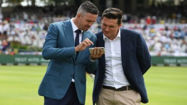 ICC Asks Fans to Guess What Kevin Pietersen and Graeme Smith Are Looking at, Twitterati Come Up With Hilarious Responses