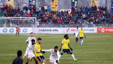 I-League 2019-20: Fans Cheer for Real Kashmir FC Braving the Cold Weather in Srinagar, Watch Video