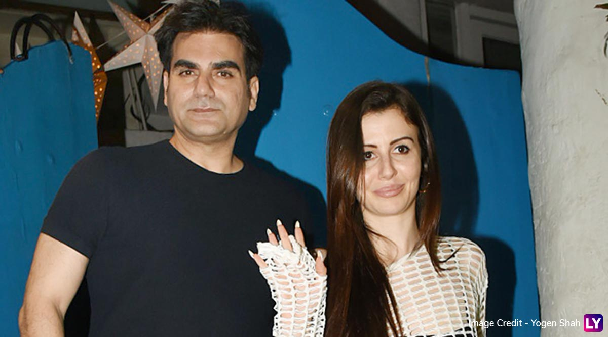 Arbaaz Khan and GF Giorgia Andriani Spotted Post Dinner Date, Couple Happily Poses for the Paparazzi (View Pics)