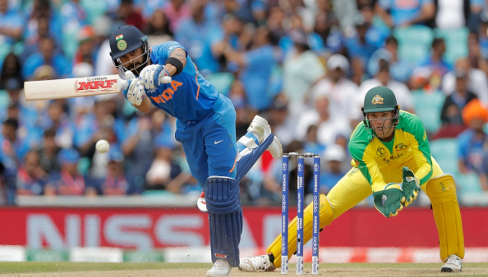 Virat Kohli Breaks MS Dhoni's Record to Become the Fastest Captain to Score 5,000 Runs in ODIs, Achieves Feat During IND vs AUS 3rd ODI 2020