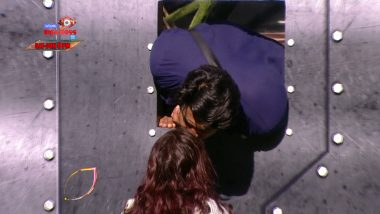 Bigg Boss 13 Weekend Ka Vaar Sneak Peek 02 | 1 Feb 2020: Shehnaaz Makes Sidharth Kiss Her