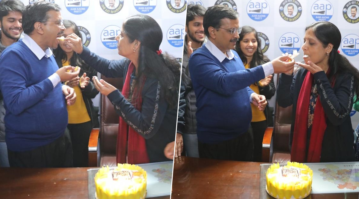 Arvind Kejriwal Cuts Cake With Wife Sunita, Celebrates Her Birthday and Party's Victory in Delhi Assembly Elections 2020; See Pics