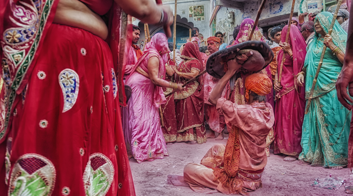Holi Traditions Across India: From Lath Maar Holi To Dol Yatra, Here Are Different Ways Indians Celebrate The Festival of Colours