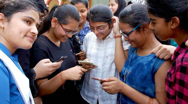 UP Board Exams 2020: Uttar Pradesh Government Launches Toll-Free Helpline Numbers to Help Students With Their Queries