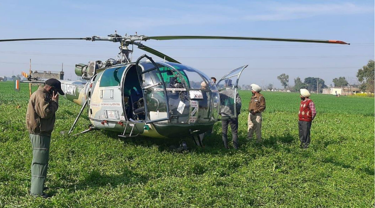 Chetak Helicopter of Indian Army Makes Precautionary Landing in Punjab's Ropar After Taking Off From Patiala Due to Technical Snag