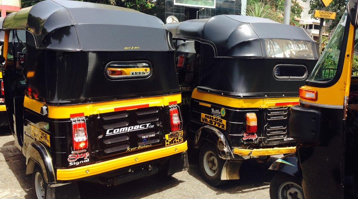 Mumbai Auto-Rickshaw Driver Helps Bengaluru Schoolgirls, Who Ran From Home to Become Actresses, Return Safely