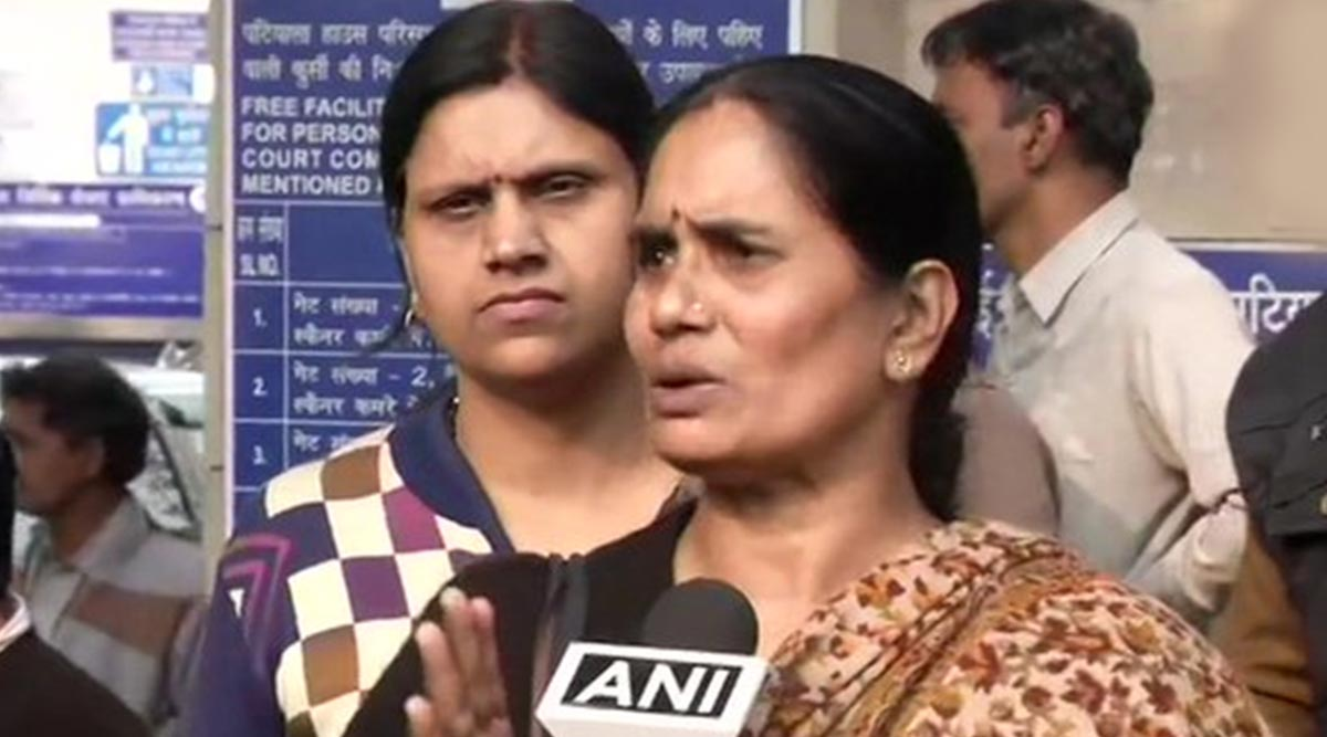 Nirbhaya Case: Asha Devi, Mother of Gangrape-Murder Victim, Says 'Will See Till When Court Gives Time to Convicts and Govt Supports Them'