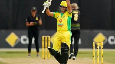 Sachin Tendulkar Faces an Over Against Ellyse Perry and Annabel Sutherland During Bushfire Cricket Bash, Fans Love to See 'God of Cricket' Back in Action