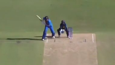 Shafali Verma Hits Boundary From Behind the Stumps During IND-W vs SL-W Match in ICC Women's T20 World Cup 2020, Watch Indian Opener's Extra-Ordinary Footwork