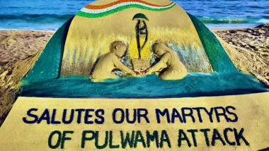 Sudarsan Pattnaik Pays Tribute to Martyrs with His Sand Art on One Year of Pulwama Attack