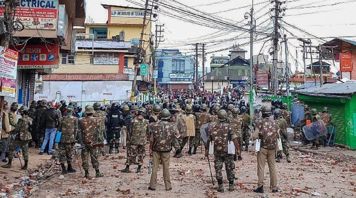 Meghalaya Police Impose Curfew After KSU Member Died in Clashes With Non-Tribals in East Khasi Hills Over CAA, Internet Services Suspended in Six Districts