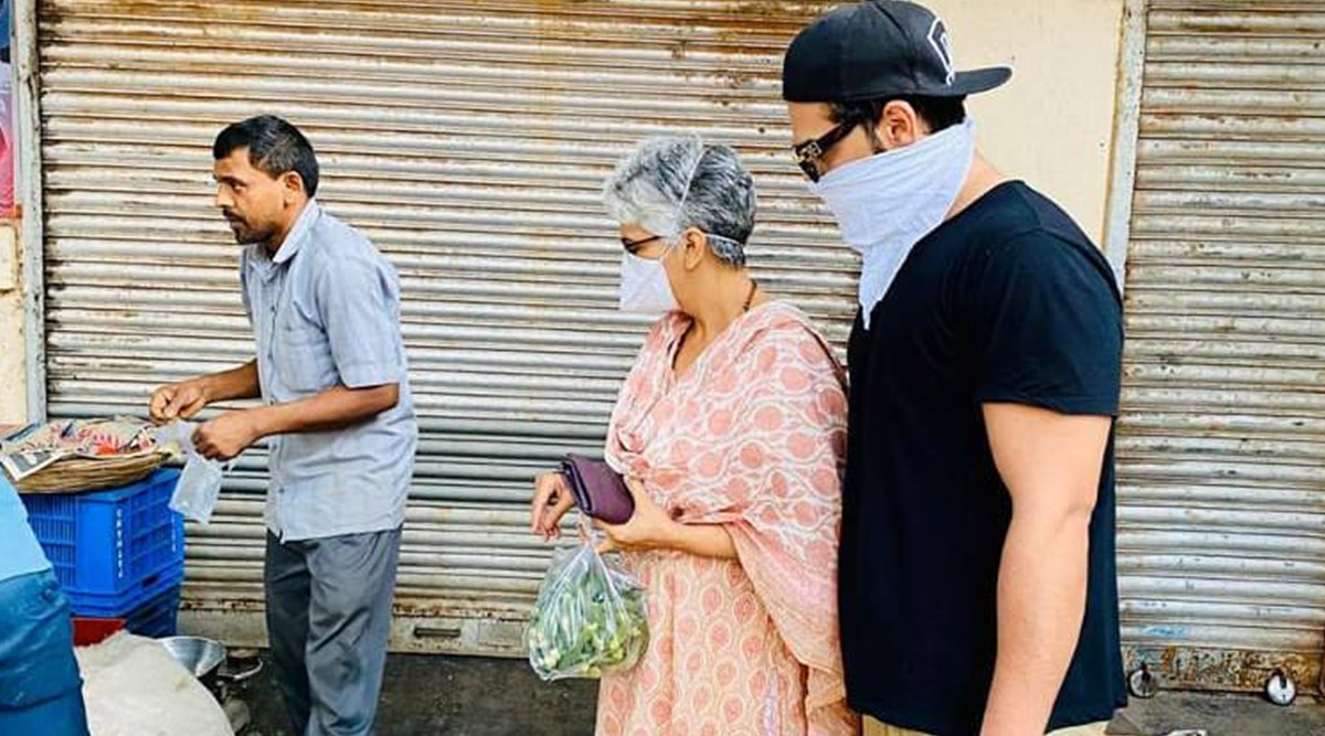 COVID-19 Lockdown: Bigg Boss 13's Paras Chhabra Steps Out with Mom to Stock Up Commodities (View Pic)