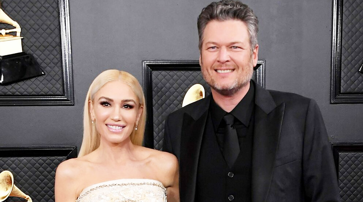 COVID-19 Effect: Gwen Stefani Helps Fiance Blake Shelton with His 'Quarantine Mullet' (Watch Video)