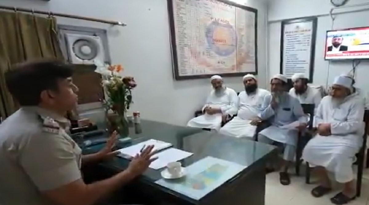 Nizamuddin Markaz Must be Evacuated, Delhi Police Told Tableeghi Jamaat Members on March 23 (Watch Video)