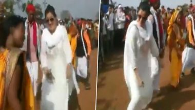 Holi 2020: Navneet Rana, Independent MP From Amravati, Performs Traditional Dance With Tribals in Melghat (Watch Video)