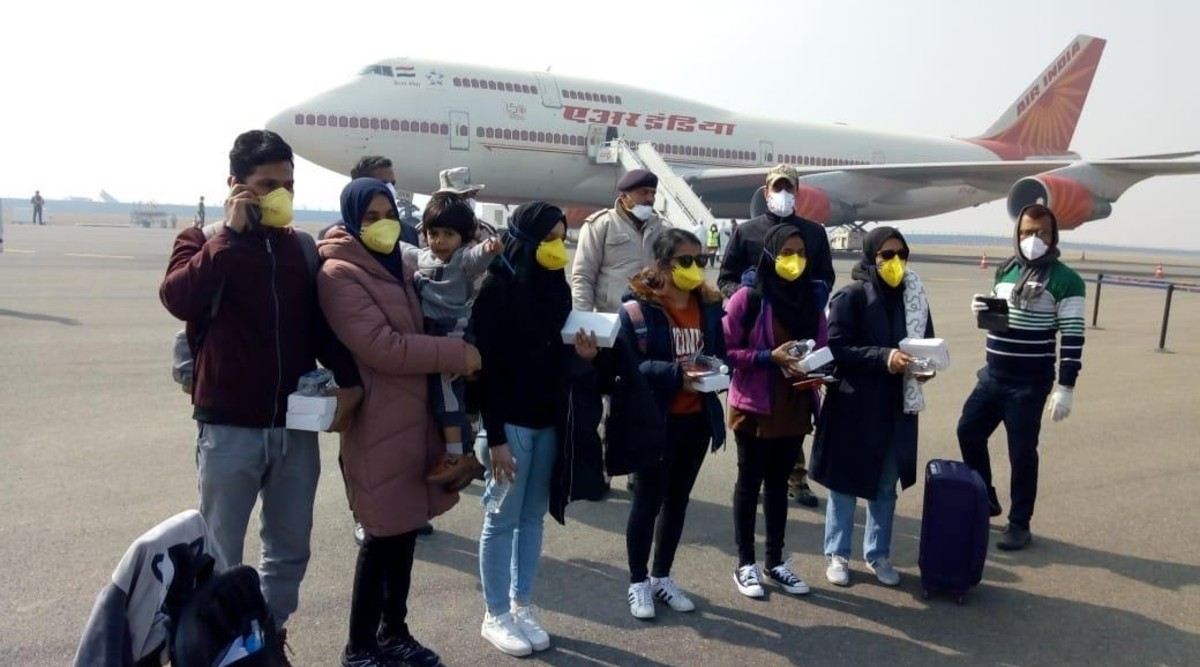 Air India Crew, Who Operated Flights to Coronavirus-Hit Countries to Rescue Stranded Indians, Complain of Substandard Protective Gear, Lack of Sanitizers
