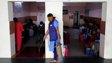 COVID-19 Outbreak: Six Passengers Stamped for Home Quarantine Deboarded by Authorities at Borivali Station in Mumbai