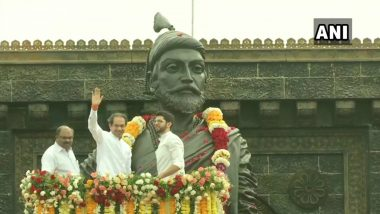 Shivaji Jayanti 2020: Maharashtra CM Uddhav Thackeray and Aaditya Pay Tribute to Chhatrapati Shivaji Maharaj in Mumbai