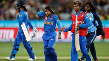 Taniya Bhatia Goes Off Field for Concussion Test after Being Hit on Head during IND vs AUS ICC Women's T20 World Cup 2020 Final