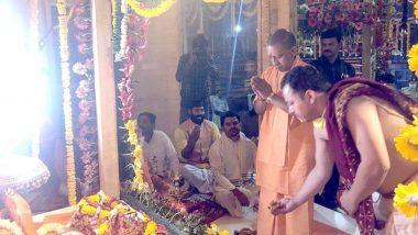 Yogi Adityanath Participates in Ram Lalla Murti Sthapna Ritual on Navratri Amid Lockdown Due to Coronavirus Outbreak; Twitterati Question UP CM's Move