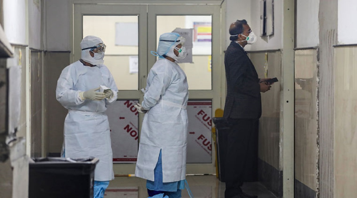 COVID-19 Outbreak: Delhi Doctors, Nurses to Work Continuously for 14 Days