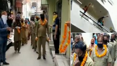 Ambala Locals Offer Garlands, Shower Flowers on Sanitation Workers; Watch Video