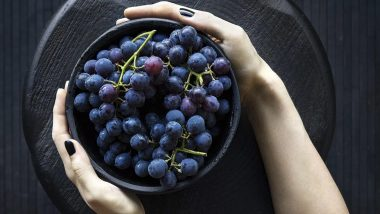 World No-Tobacco Day 2020: From Black Grapes to Green Tea, Superfoods That Help Tobacco Users Deal With the Withdrawal Symptoms of Smoking!