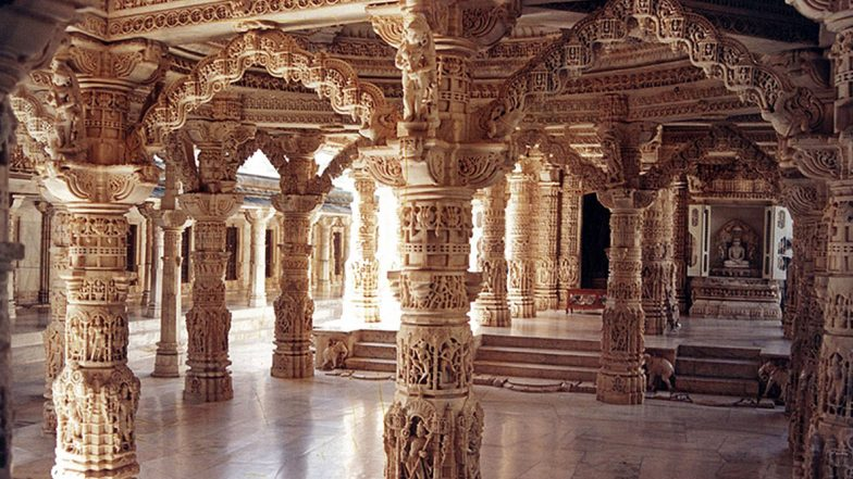 Mahavir Jayanti 2020: Dilwara Temple in Rajasthan, Gommateshwar Temple in Karnataka and Other Famous Jain Temples in India You Must Visit Once in a Lifetime