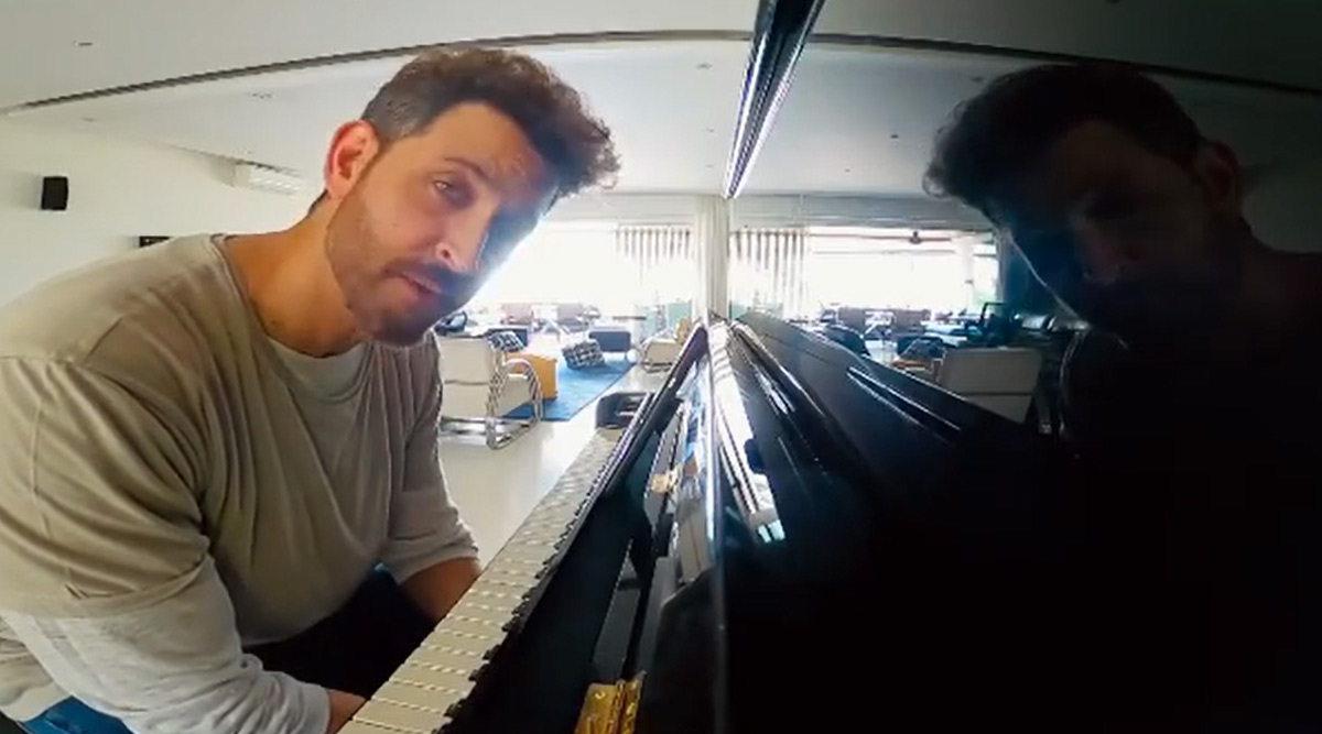 Hrithik Roshan Embarrassingly Playing Piano For His Fans Is The Cutest Thing You'll See Today! (Watch Video)