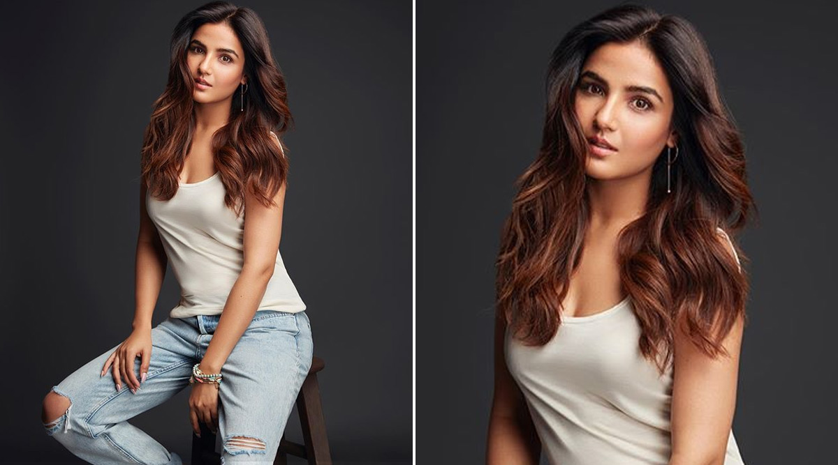 Jasmin Bhasin Reacts To Rashami Desai Replacing Her As Nayantara on Naagin 4
