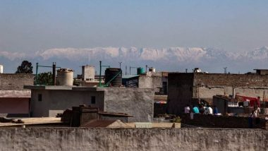 Lockdown Impact: Jalandhar Wakes Up to View Himachal Pradesh's Snow-Capped Mountains