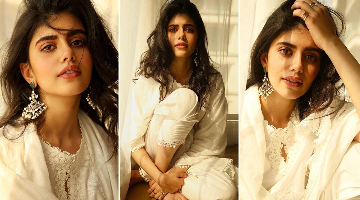 Sanjana Sanghi in Mul Mul